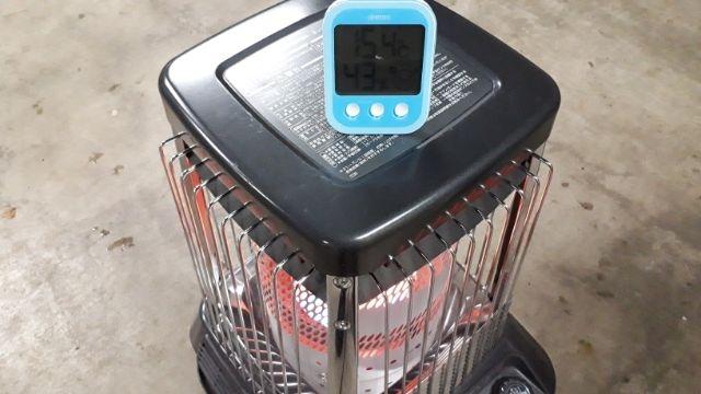 ダイニチブルーヒーターと温度計